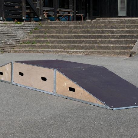 Skateboardramper   2 st ramper och 1 st box