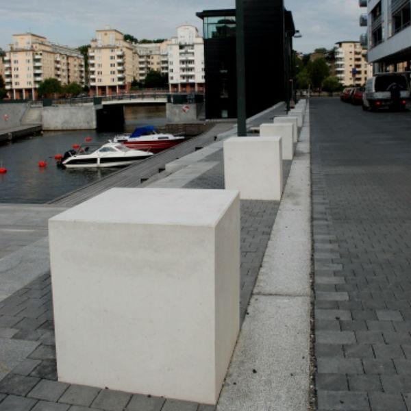 Parkbänkar | Sittplats Kuben i massiv betong