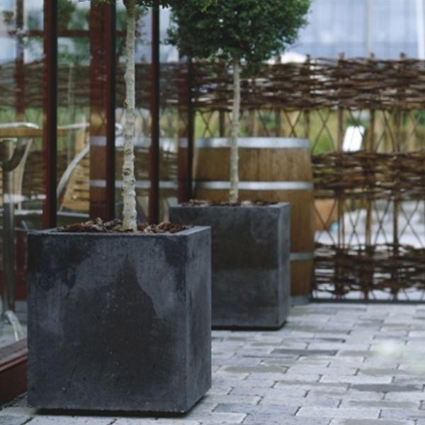 Planteringskärl | Planteringskärl Bergen i antracit eller naturgrå 800 x 890 mm
