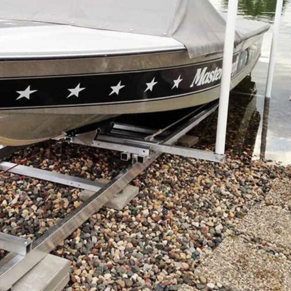 Båtramper & vattenskoterramper    Strandramp för båtar 910 kg
